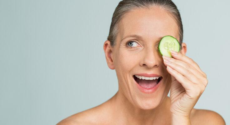 8 Simple ways to de-puff eye bags