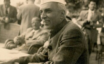 OPENING PIC Jawahar Lal Nehru at the Emporium grounds at Srinagar at a civic reception