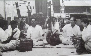 Shankar-Jaikishen with Pt Bhimsen Joshi and Manna Dey while recording Ketaki Gulab Juhi