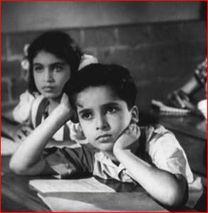 Shashi Kapoor playing the young Kewal