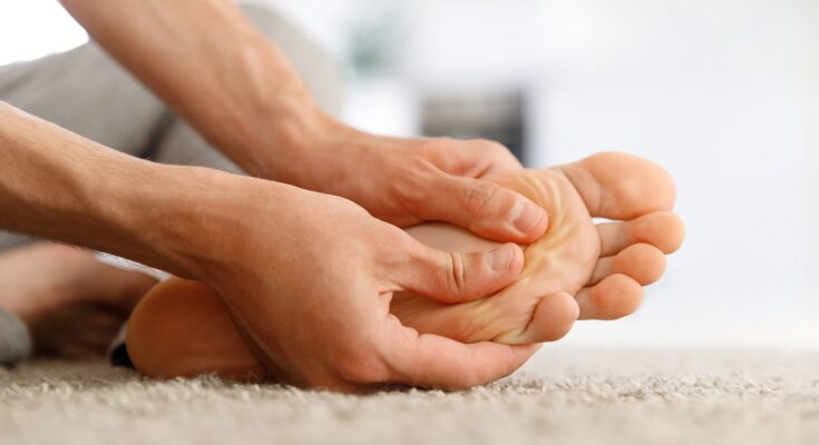 10 Reasons Why Your Feet Swell - And What to Do - Seniors Today