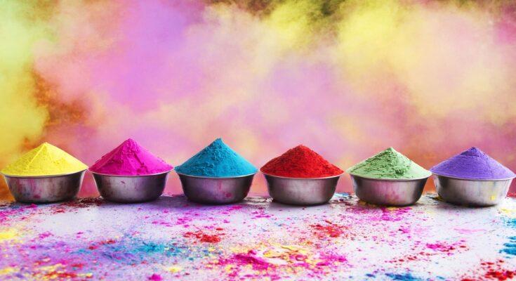 10 Sparkling Holi Songs - Seniors Today