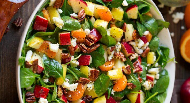 apple-mandarin-pear-spinach-salad-13-768x1152