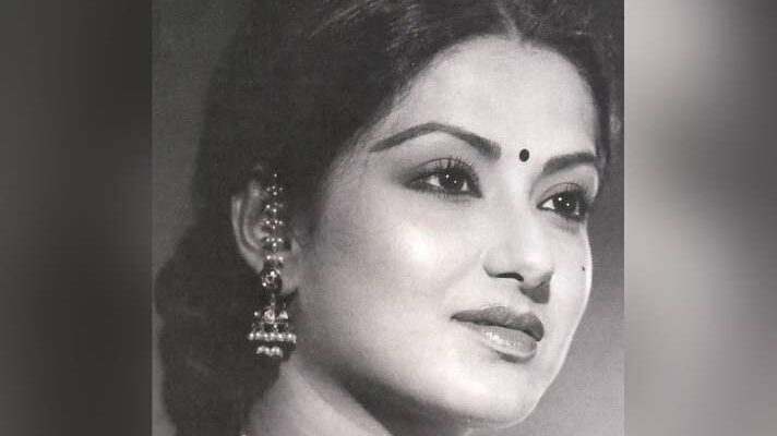 Moushumi Chatterjee - Top Songs
