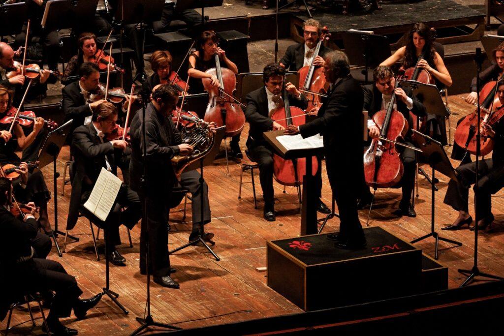 Zubin Mehta conducting the Maggio Musicale Fiorentino Orchestra in Florence, Italy