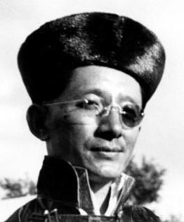 Tashi_Namgyal_of_Sikkim_in_1938_detail,_Bundesarchiv_Bild_135-S-03-24-03,_Tibetexpedition,_Der_Maharaja_von_Sikkim_(cropped)