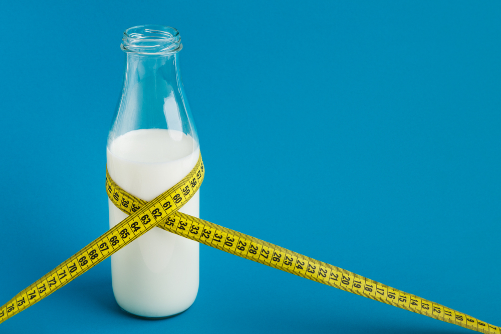 07 Choose skim or low-fat milk over cream to reduce calories and fat - Seniors Today