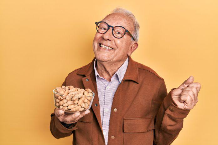 Should Men Eat Peanuts - Seniors Today